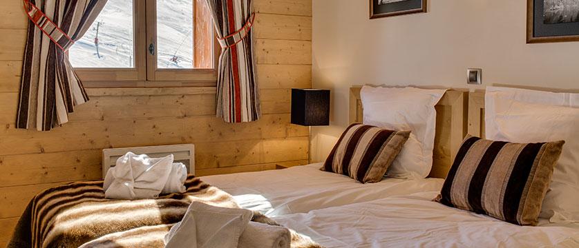 france_montegenevre_le-napoleon-apartments-spa_bedroom2.jpg